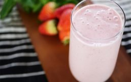 Simply Amazing Strawberry Yogurt Smoothie