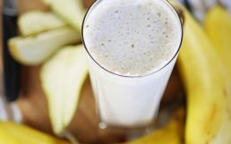 Banana Pear Smoothie: Simple & Delicious