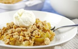 Deliciously Crunchy Gluten-Free Apple Crisp