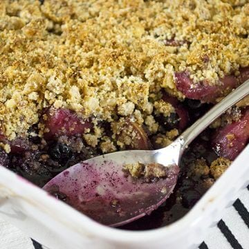 Paleo Pear & Blueberry Crisp