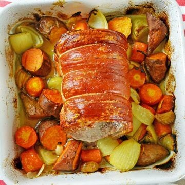 Pork Roast: A Delicious Roast with Crunchy Crackling